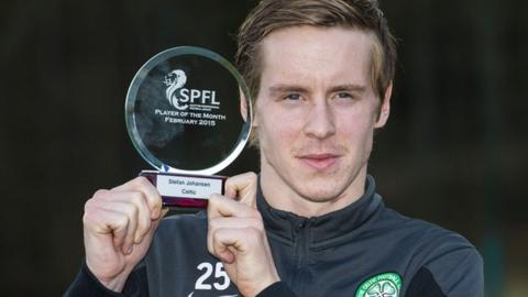 Celtic midfielder Stefan Johansen with his SPFL award