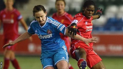 Liverpool's Asisat Oshoala (right) and Sarah McFadden of Sunderland