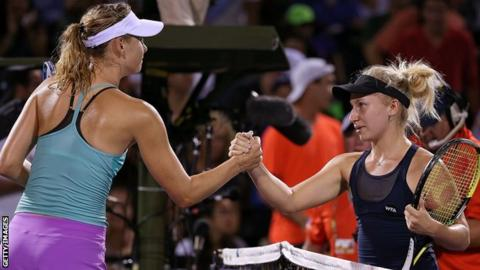 Maria Sharapova (left) and Daria Gavrilova (right)