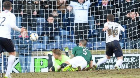 Lewis Vaughan scores for Raith Rovers against Hibernian
