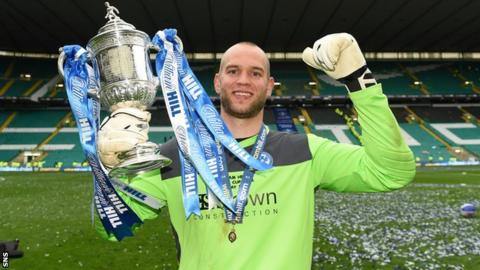 Alan Mannus was a Scottish Cup winner with St Johnstone last season