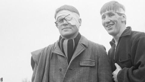 Dick Greenwood (l) and Budge Rogers in 1969