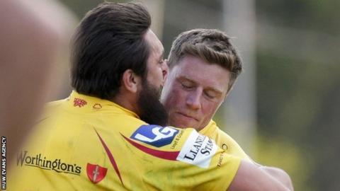 Rory Pitman congratulates Rhys Priestland