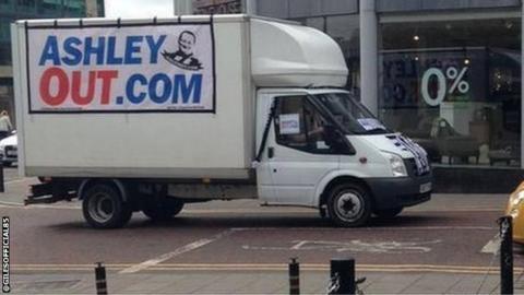 Ashley Out van
