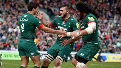 Leicester celebrate Ben Youngs' try