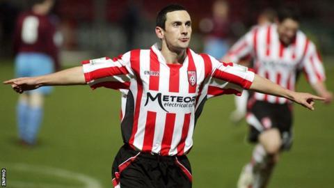 Mark Farren scores for Derry in 2009