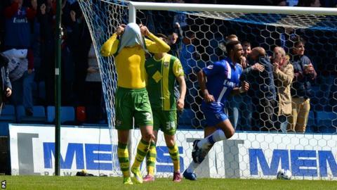 Gillingham celebrate goal