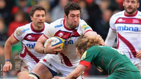 Nathan Hines in action for Sale Sharks