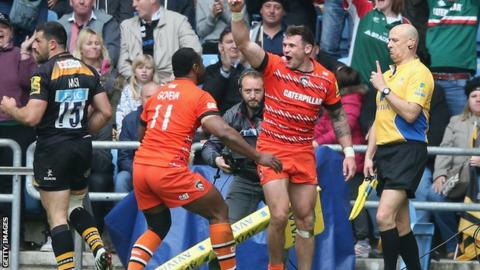 Adam Thompstone celebrates his match-winning try for Leicester