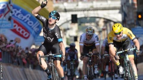 Elia Viviani (left) wins stage two in Genova