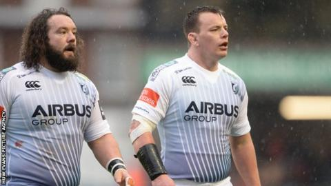 Prop Adam Jones (L) and fellow former Wales front-row Matthew Rees are both leaving Cardiff Blues