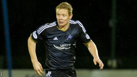 Aberdeen midfielder Barry Robson