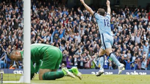 Frank Lampard celebrates his goal