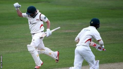 Leicestershire win