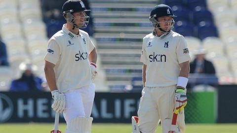 Jonathan Trott and Ian Bell