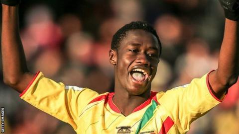 Mali's Diadie Samassekou celebrates