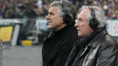 Gareth Davies (left) and Gareth Edwards doing broadcast duty at a match