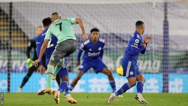 Richarlison scores for Everton against Leicester