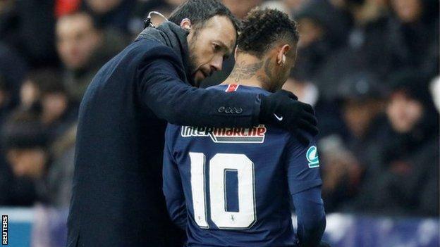 Paris St-Germain striker Neymar walks off the pitch after being injured against Strasbourg