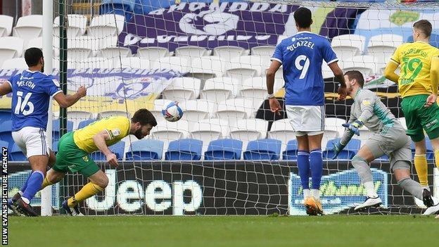 Grant Hanley scores for Norwich