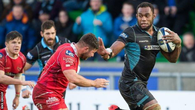 Leone Nakarawa in action for Glasgow