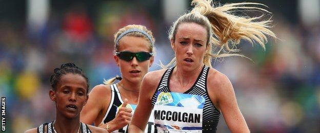Eilish McColgan (right) competes in the 5000m during the AA Drink FBK Games in Hengelo, Netherlands