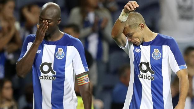 Champions League: Porto knocked out, Ajax survive scare to reach final play-off round thumbnail