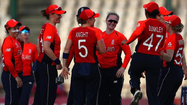 Women's World Twenty20: Anya Shrubsole hat-trick inspires England win over South Africa