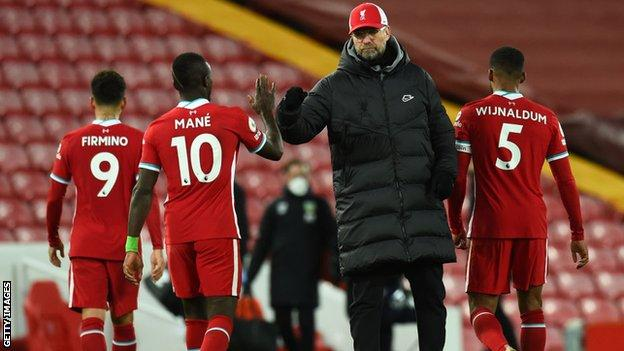 Jurgen Klopp with Liverpool players after the defeat to Burnley