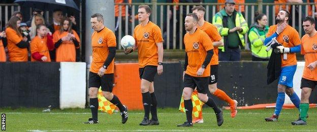 Trubutes paid at Carrick Rangers