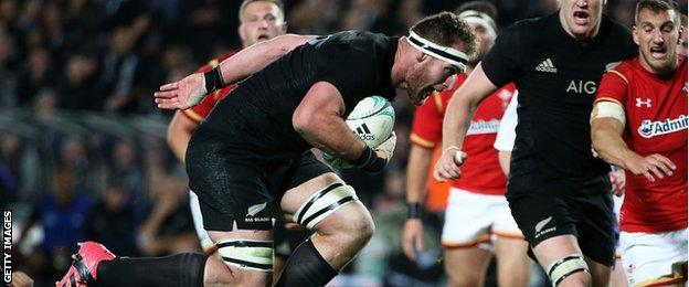 Kieran Read scores for the All Blacks against Wales