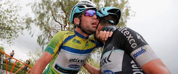 Mark Cavendish celebrates his stage win with teammate Mark Renshaw