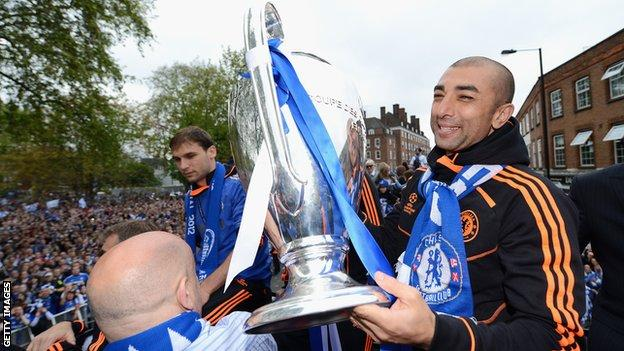 Roberto di Matteo with the Champions League trophy