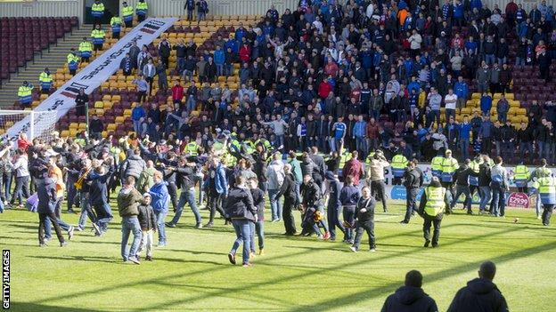 Motherwell fans