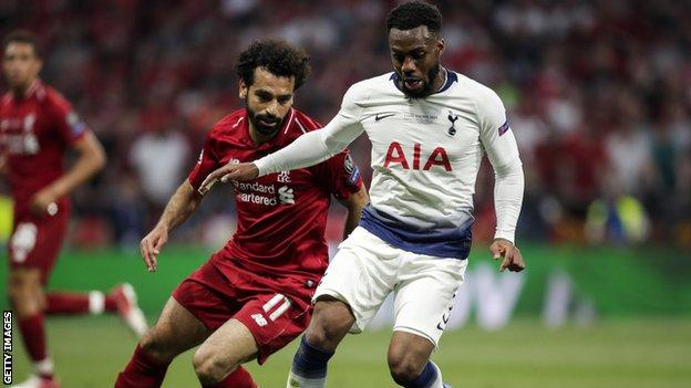 Danny Rose and Mohamed Salah on the pitch during the 2019 Champions League final