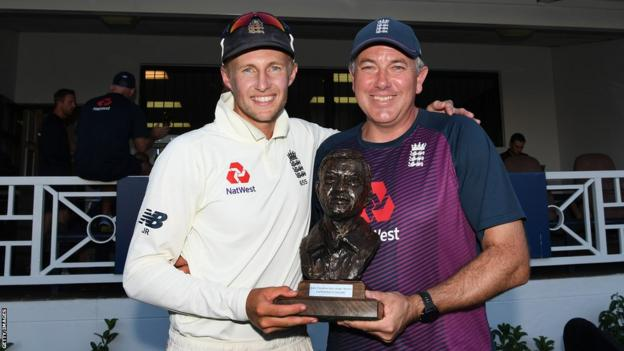 England Test Captain Joe Root and Head Coach Chris Silverwood