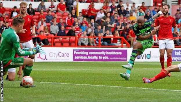 Andre Ayew scores for Swansea against Nottingham Forest