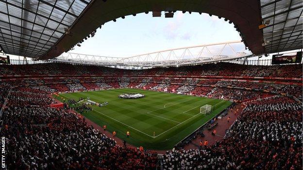 Arsenal beat Valencia 3-1 at the Emirates on Thursday