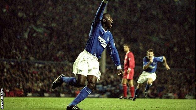 Kevin Campbell of Everton celebrates his goal at Liverpool in 1999