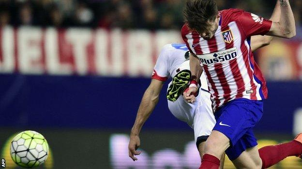 Saul Niguez scoring for Atletico Madrid