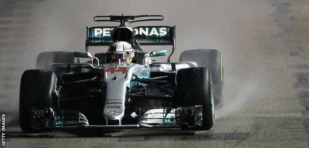 Lewis Hamilton wins the 2017 Singapore Grand prix