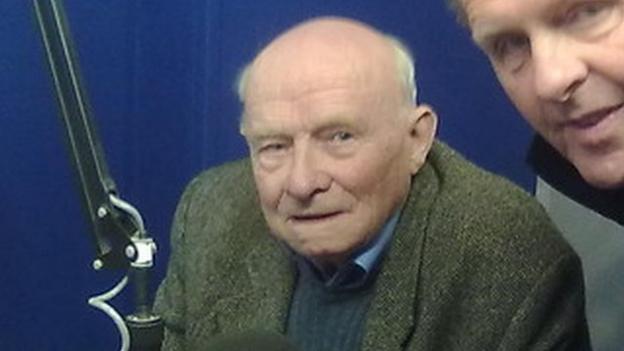 Frank Lucas Jersey Football Stalwart Dies Aged 89 Bbc Sport