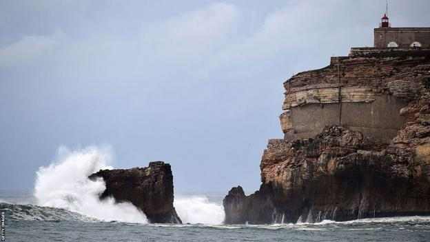 A view of a cliff in Nazare
