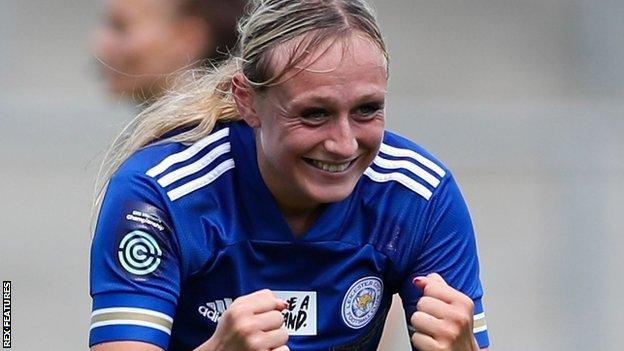 Libby Smith hizo 14 apariciones para Leicester City en su temporada ganadora del título del Campeonato Femenino