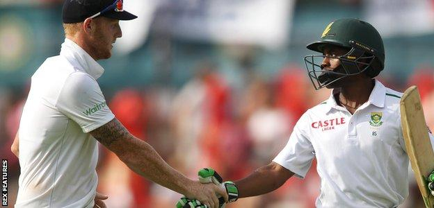 Ben Stokes of England congratulates Temba Bavuma of South Africa for his innings of 102 not out