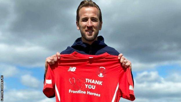 Harry Kane with Leyton Orient shirt