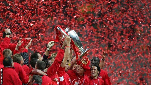 Steven Gerrard lifts the Champions League trophy after the Reds became champions of Europe for a fifth time
