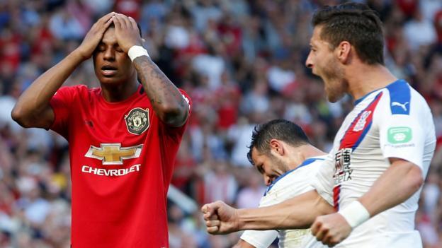 Man Utd 1-2 Crystal Palace: Patrick van Aanholt scores winner thumbnail