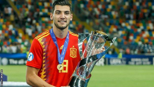 Rafa Mir poses with the European Under-21 Championship trophy