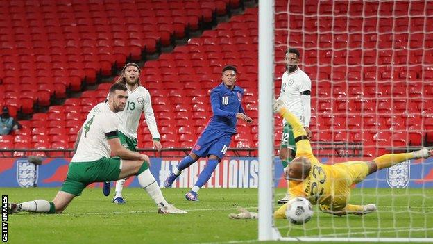 Bellingham, 17, makes debut in England win over Republic of Ireland thumbnail